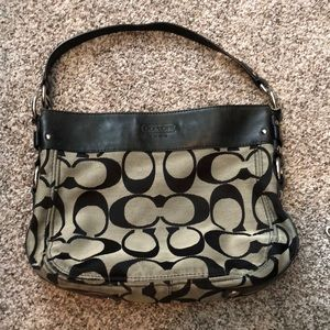 Signature Coach Hobo Zoe Convertible Black Gray